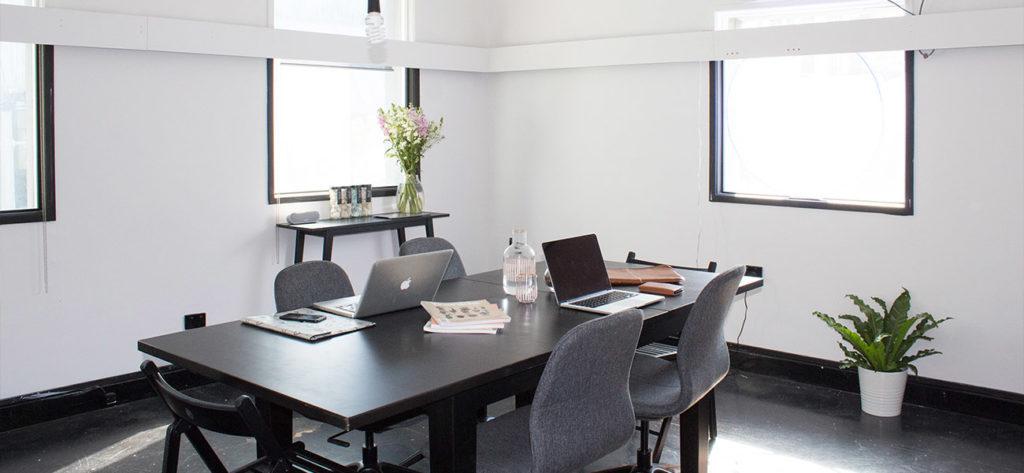 Büro Office Laptops Gebäude
